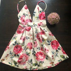 Floral Pleated Midi Dress 💐